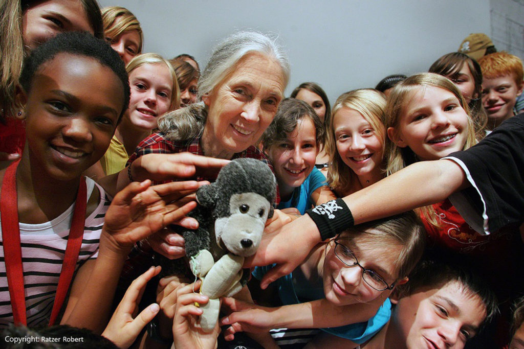 Jane Goodall and Roots and Shoots groups_Copyright Ratzer Robert